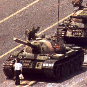 """@KVP_10:That time I stopped the advance of the Chinese military in Beijing.. #BrianWilliamsMemories http://t.co/g2lfYFjYyt"" @AnastasiyaFad"