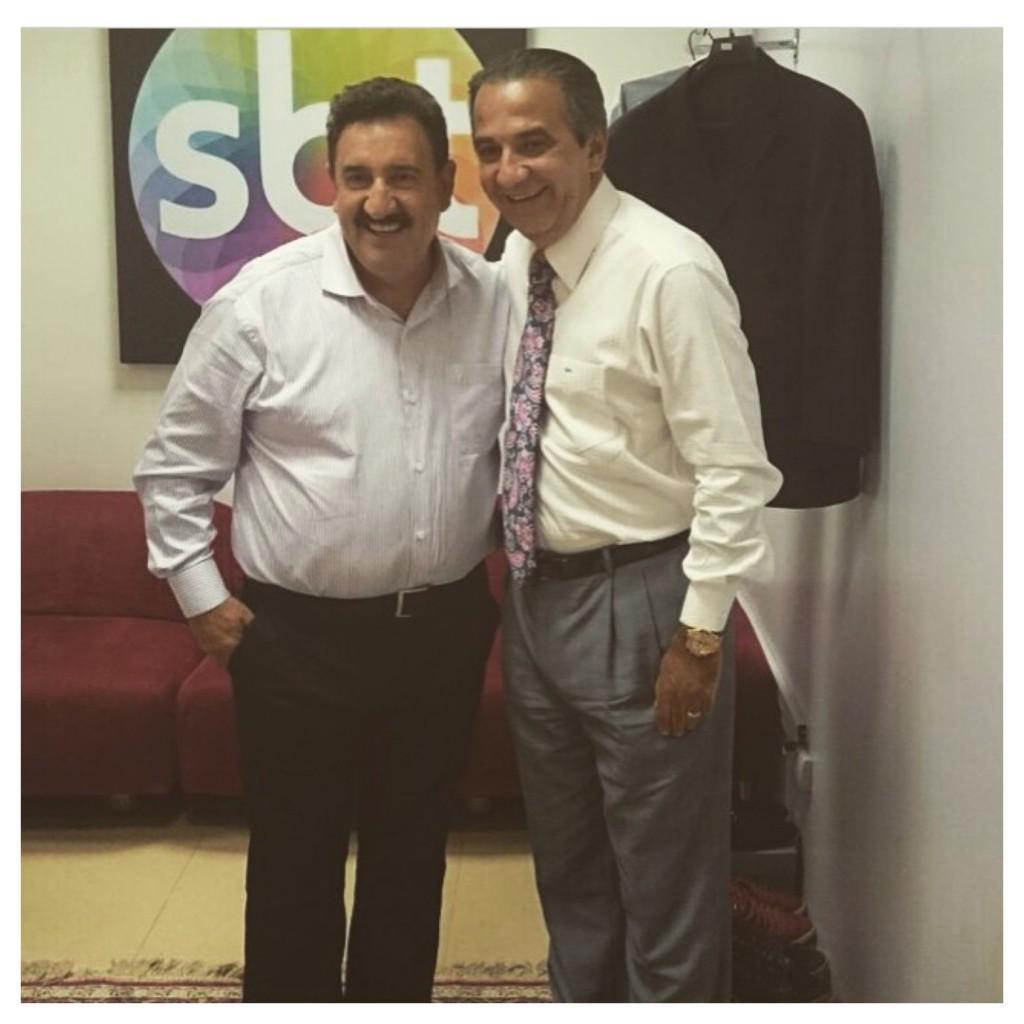 """""""@Pgm_Ratinho: Dois Dedos de Prosa com Silas Malafaia."""" É agora o meu @PastorMalafaia ao vivo http://t.co/UiBnkINq7U"""
