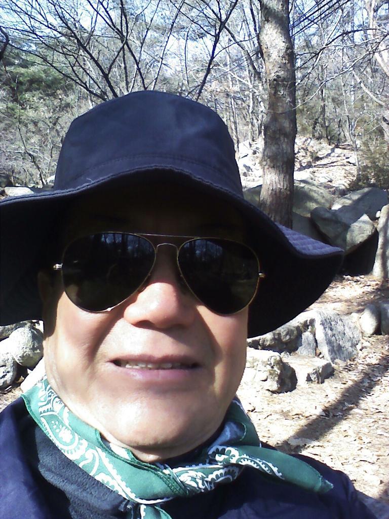 입춘대길! 관안산 깔딱고개입구. http://t.co/Uskt9ctmWv http://t.co/bIixWZL5bl