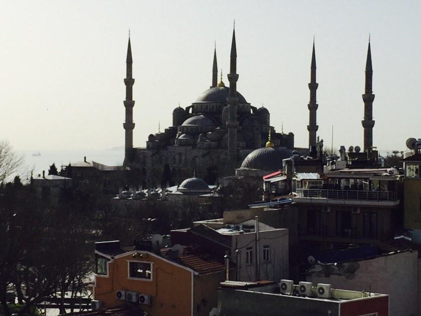 RT @RealRonHoward: Stunning Modern & Historic #istanbul Kind of amazing everywhere your gaze takes you http://t.co/v8uj25q2Rk