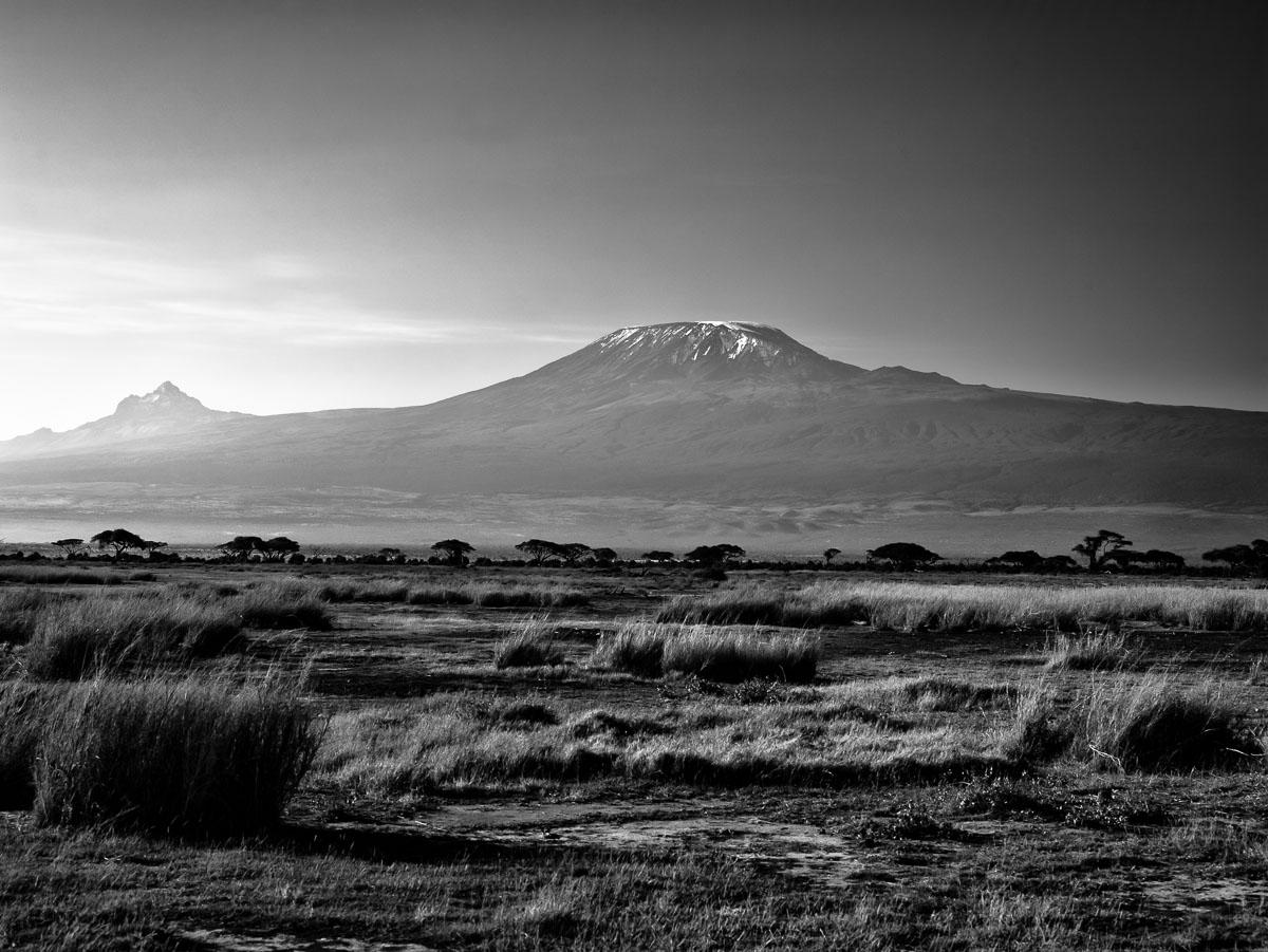 Looking at the snow on Kilimanjaro from Amboseli National Park in Kenya. (ISO 100, 80mm, f/9.0 @1/60th sec) http://t.co/dNYILTZRAv