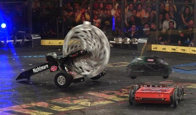 BattleBots is back after ten years, and it's bound to be incredible: http://t.co/JYKvAL9SWS http://t.co/sChgncUqlO