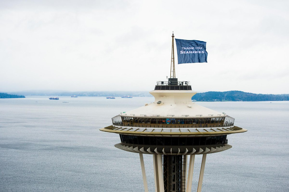 Thanks to @rodmarphoto for getting us a great shot of the flag! Can't wait for next season @Seahawks! #GoHawks http://t.co/neK6dHM3xe