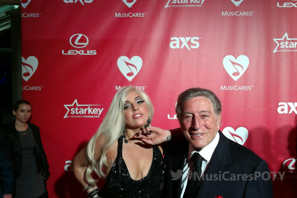 On the @MusiCares red carpet to celebrate @BobDylan as Person of the Year w/ @ladygaga @itstonybennett #MusiCaresPOTY http://t.co/Dz4p2mHdk8