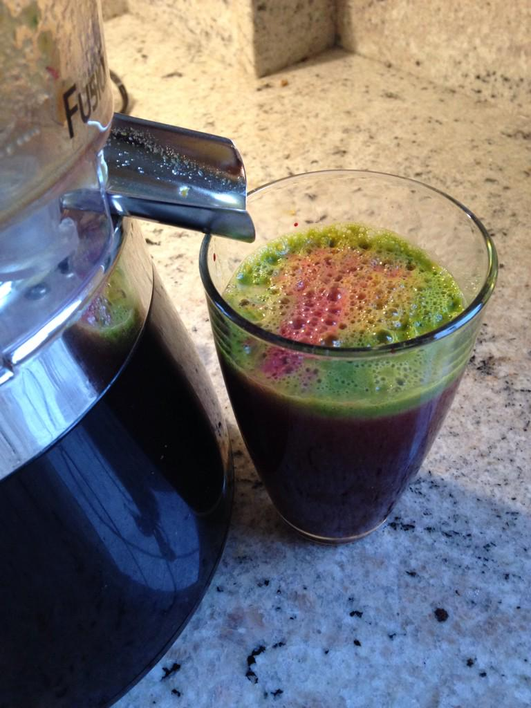 Just because the post Christmas @juicemaster cleanse is 'done' doesn't mean you stop #juicing - make it daily routine http://t.co/rPzddgzHjF