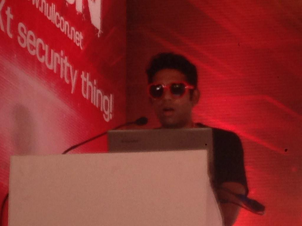 Like a boss. @lavakumark delivering his #nullcon talk. @nullcon http://t.co/GcV1PpSH8H