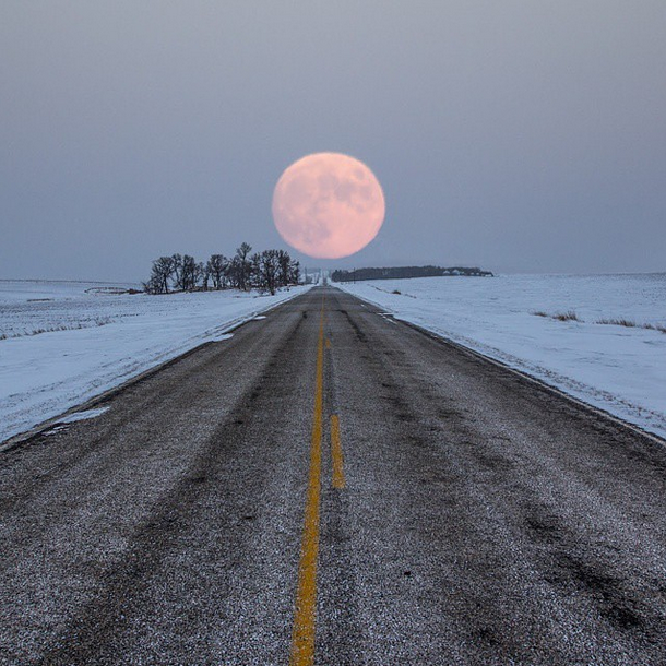 Highway to the moon http://t.co/yg3skth7bW