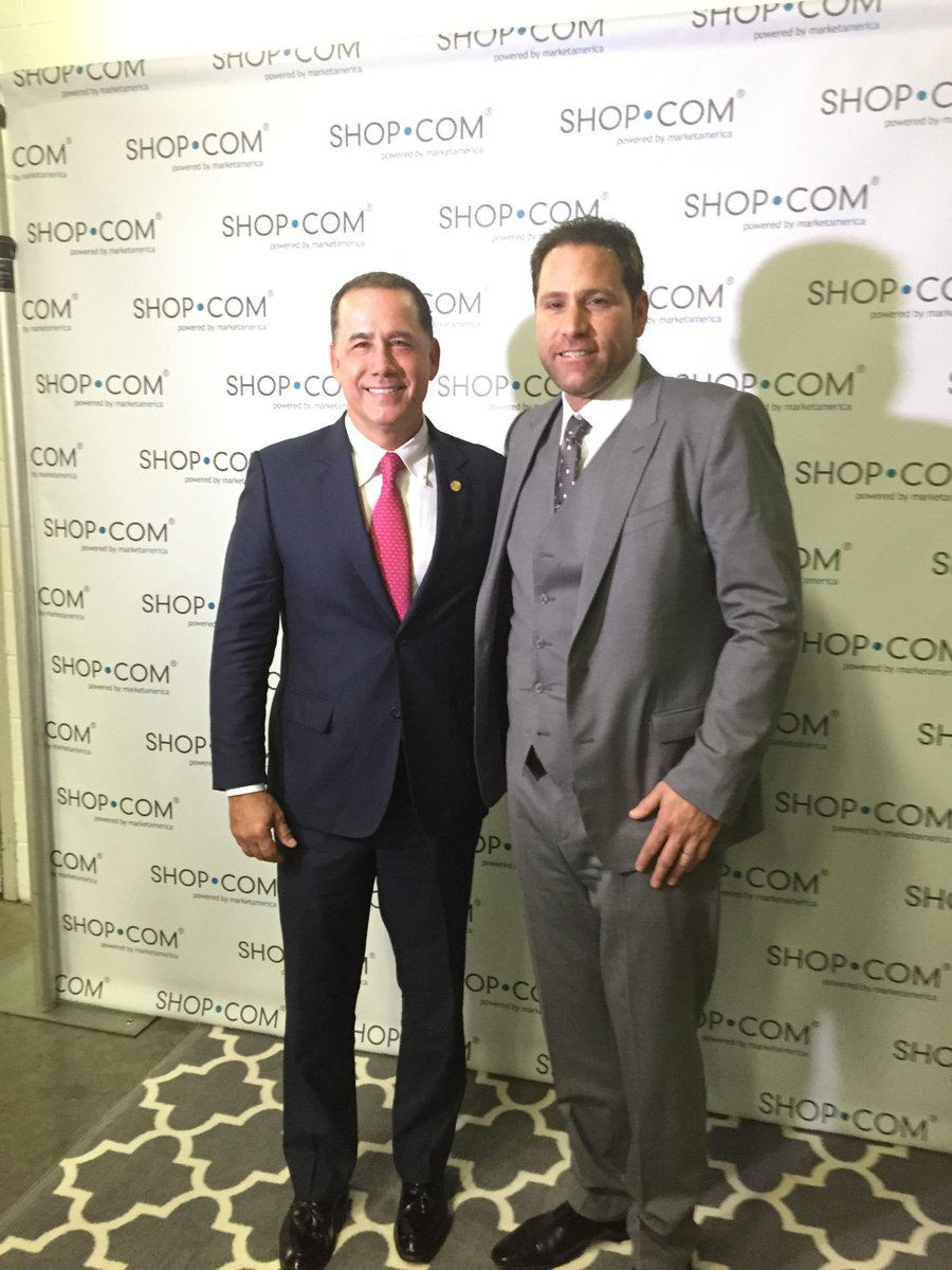 Great times at #MAWC2015 with @MayorLevine http://t.co/QlKvvRsKqK