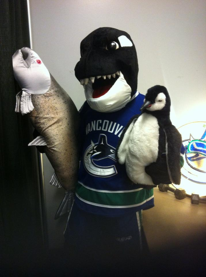 Tonight's pre-game meal BC Salmon followed by some tasty penguin. GO CANUCKS GO' http://t.co/diJNj2YvW7