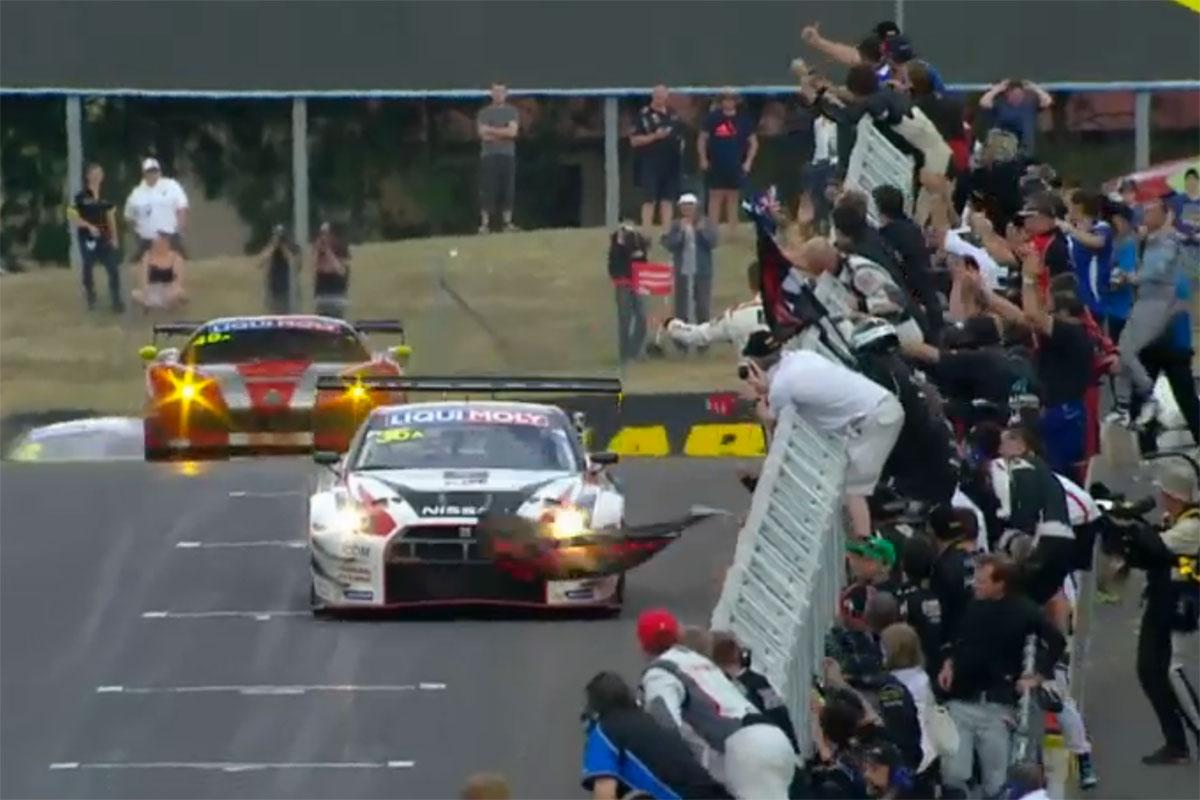 This is the moment the Nissan GT-R #NISMO GT3 crossed the line FIRST at #B12hr.   Words fail me.  @GTAcademy http://t.co/kYKHPulehK