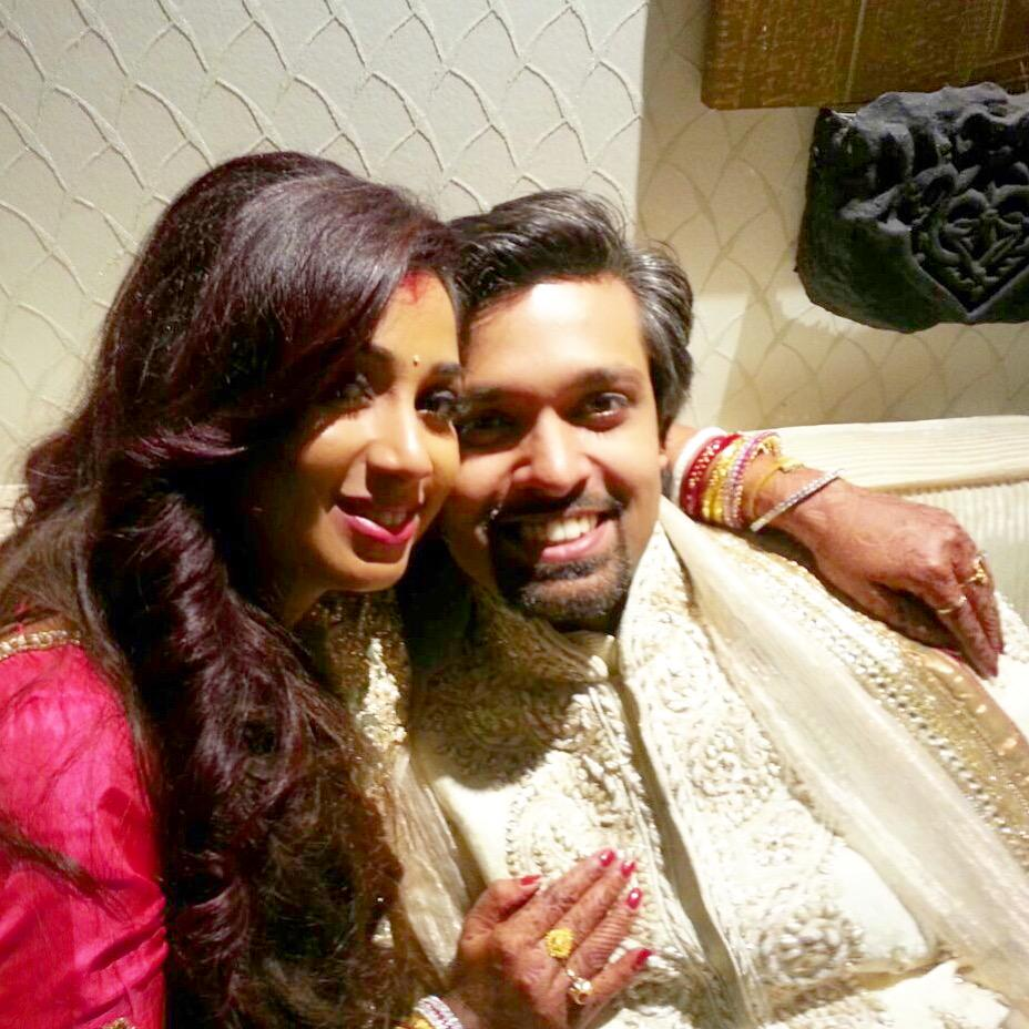 So this happened! Thank all who were around and the Internet at large :) @shreyaghoshal and I couldn't be happier! http://t.co/40ZIr9UZyg