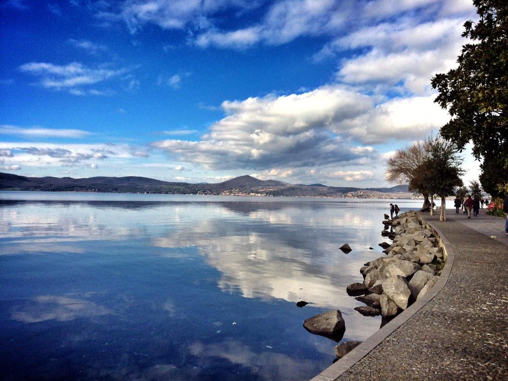 Bracciano Lake view from Anguillara. The Roman countryside is fabulous in winter! italy #travel http://t.co/ZVlk5MOftV