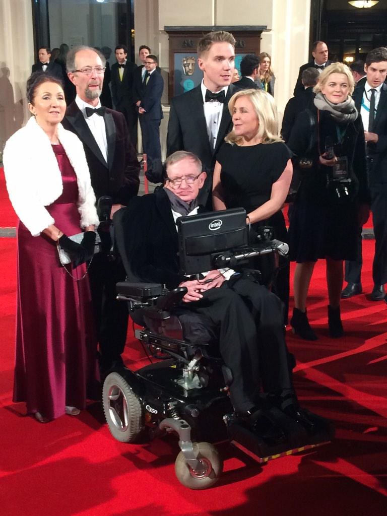 Stephen Hawking on the red carpet #EEBAFTAs #SavoyStyle http://t.co/1ZeYWy6rcW