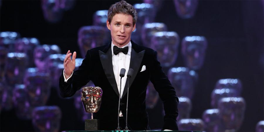 Eddie Redmayne wins the Leading Actor award for his extraordinary portrayal of Stephen Hawking #EEBAFTAs http://t.co/gJi2ULKZFn