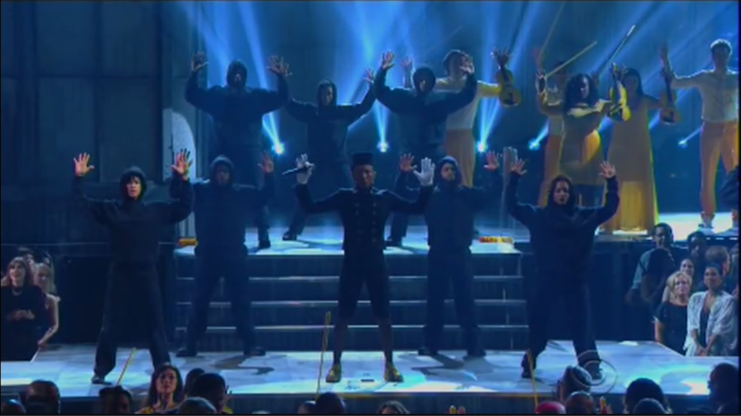 "Sure was! RT @BuzzFeedMusic: Was that a ""Hands Up, Don't Shoot"" moment during @Pharrell 's performance? http://t.co/Gz8HpvFd1j"