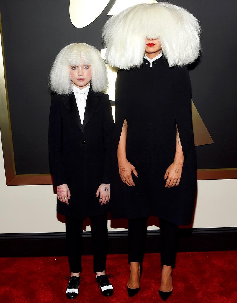 Sia looking like that Stubhub tree... #GRAMMYs http://t.co/KCA43hayCa