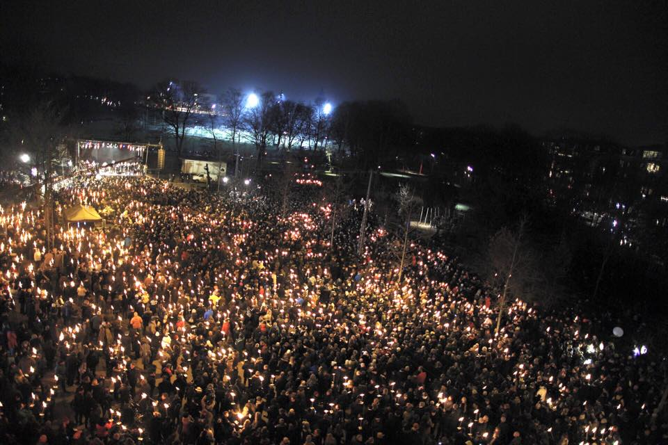 No more #cphshooting. I think it's time for #CPHLOVE (photo: @KennethNuigen) http://t.co/h1nUaRywYC