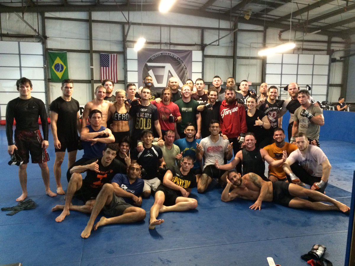Full house at @TeamAlphaMale morning practice today,  w special guest @JoeWarrenMMA ,  Great work everybody! http://t.co/tYlcxL11fZ