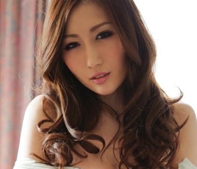 Chinese it firm offers night with a porn star as end-of