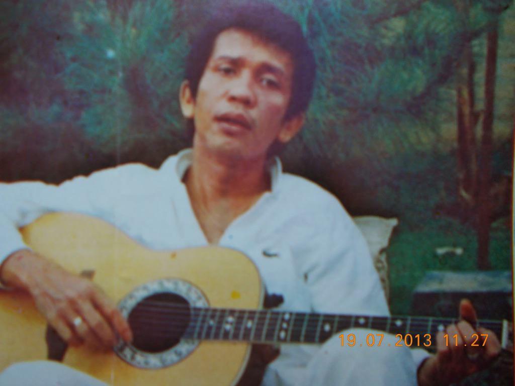 Turut berduka atas wafatnya om Rinto Harahap http://t.co/bGKwdebNwb
