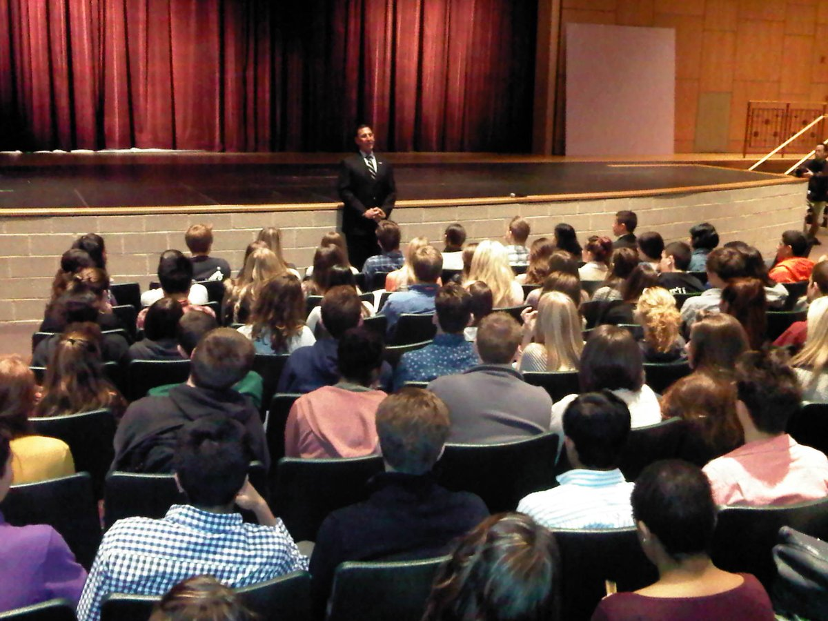 Great interest & enthusiasm from students at Clearview Regional High School this morning. http://t.co/MUKXt88hl0