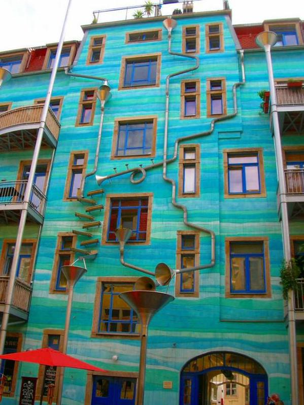 This house plays music when it rains. Dresden, Germany. http://t.co/Pw06e8lptm