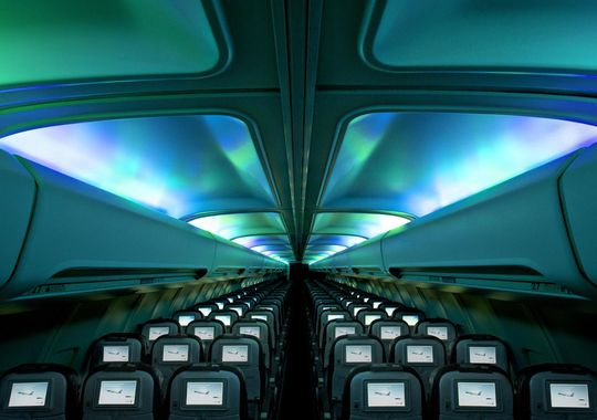 Icelandair's new plane gives every passenger a view of the Northern Lights: http://t.co/6Kmigw2gVd http://t.co/hFiAltFBTW