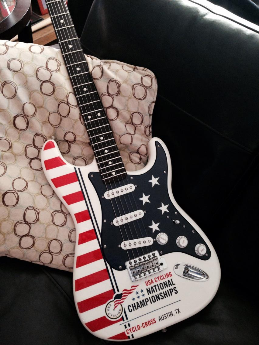 This also arrived today! Thanks to @Fender for such a sweet guitar! So cool. http://t.co/Z7dingGr4P