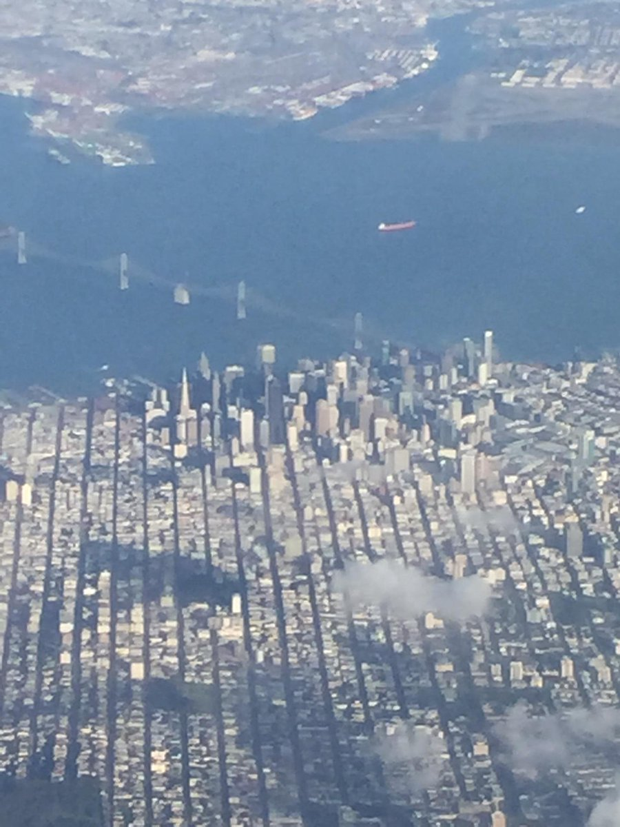 RT @ICHawkeye: Beautiful afternoon in the Bay Area (@ San Francisco International Airport (SFO) - @flysfo) http://t…