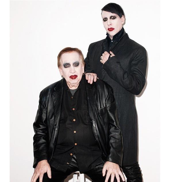 Marilyn Manson ve babası. Paper Magazine'in yeni sayısına poz vermişler