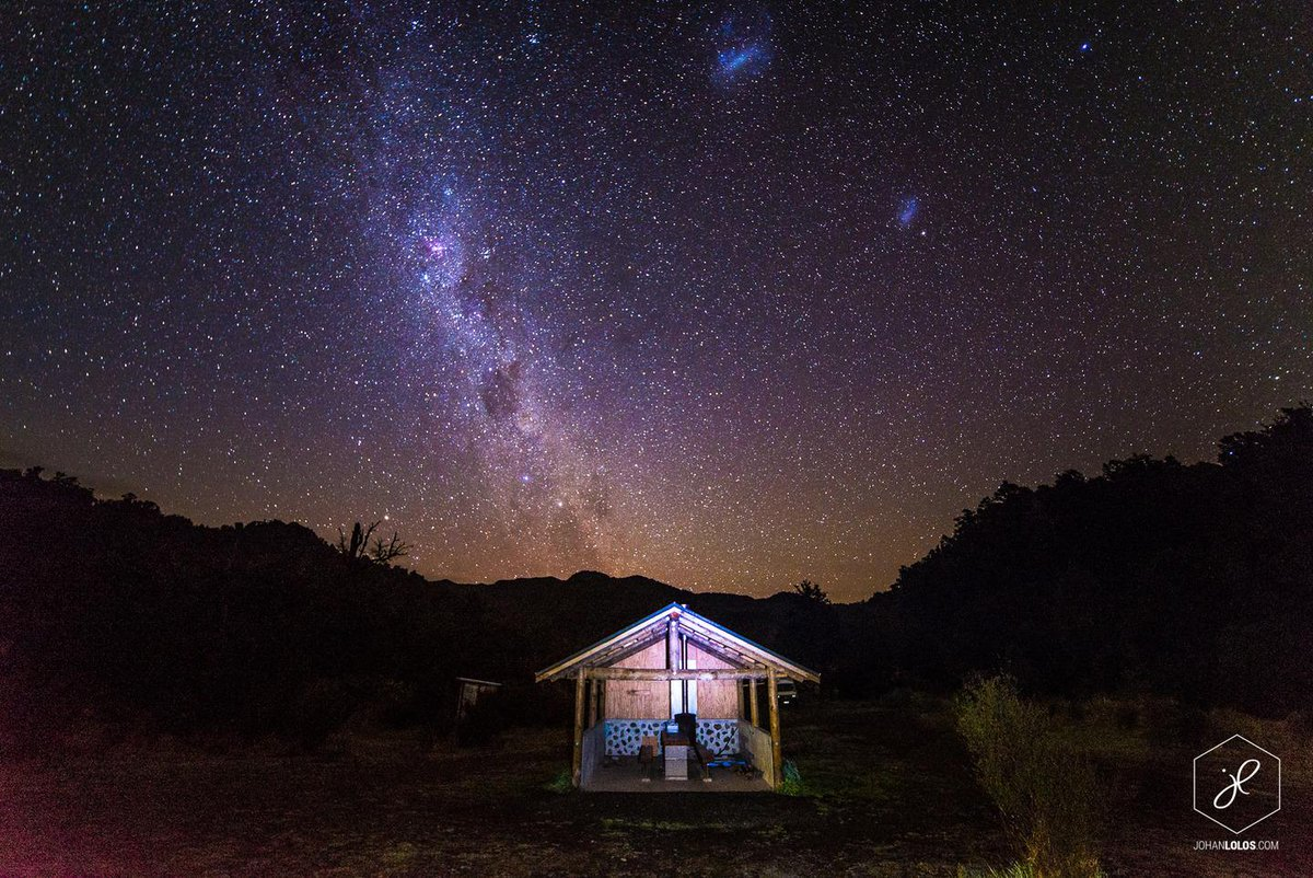 A photographer showcased @PureNewZealand's beauty on a 3-month camper trip http://t.co/SfUZqyiFQk via @mashable #TT http://t.co/T1gu7ZYt03