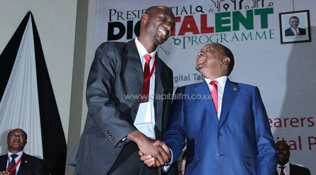 "Wah, so tall ""@CapitalFM_kenya: .@UKenyatta rolls out varsity-government digital job link (http://t.co/OER41I8KCO) http://t.co/uX2XF07phu"""