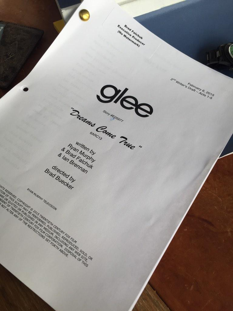 Just wrote my last #Glee scene ever. So grateful to have had the opportunity to write these amazing characters. http://t.co/evcRHi7gyU
