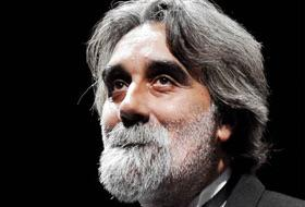 Ragazzi non si trova più questo signore, fate girare è importante #Sanremo2015 http://t.co/drZlHK59uU