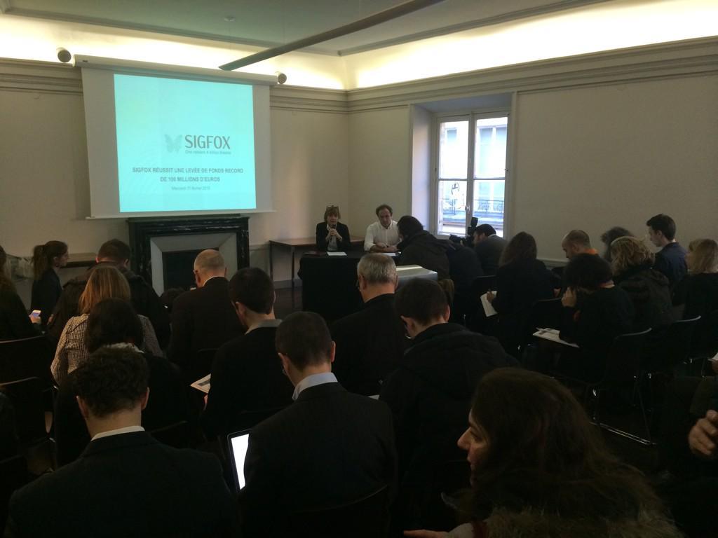 Conference de presse de @sigfox à Paris pour l'annonce de la levée de fonds record de 100 millions d'euros #iot http://t.co/uSOvCdh3cL