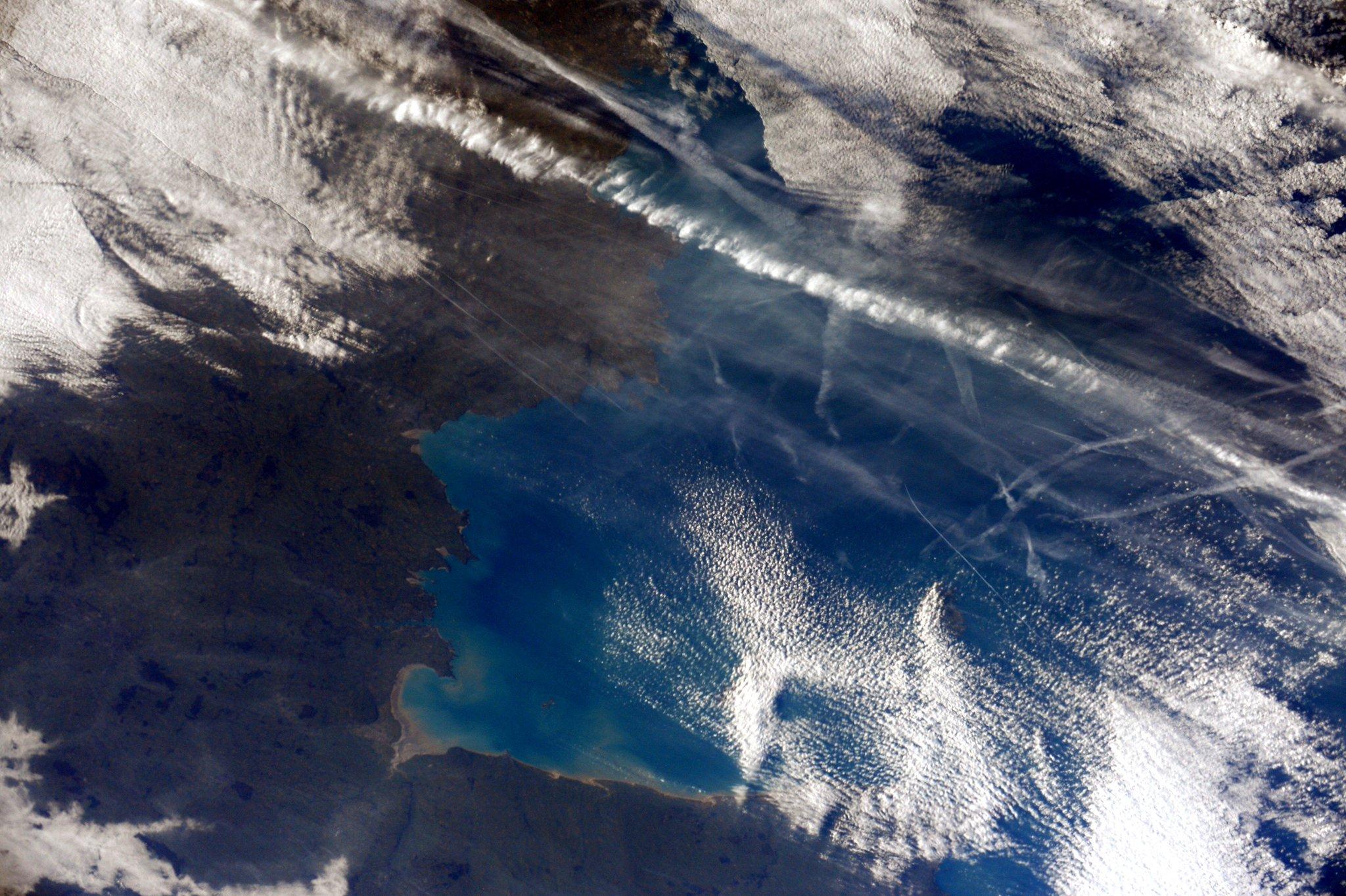 Hello #France! The Gulf of Saint- Malo on a winter day / (IT) Ciao Francia, un invernale Golfo di Saint-Malo. http://t.co/XyKUMnJPQB