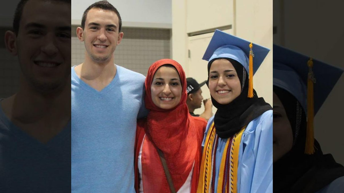 #ChapelHillShooting victims were raising money to give dental care to refugee children http://t.co/oARfQu9MaA http://t.co/zi0WJoIXIP