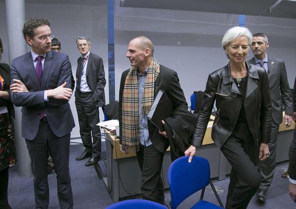 Είναι φανερό πως η Λαγκάρντ θέλει μετά βόλτα με τη μηχανή του #Varoufakis http://t.co/IJ4UMZxsu0