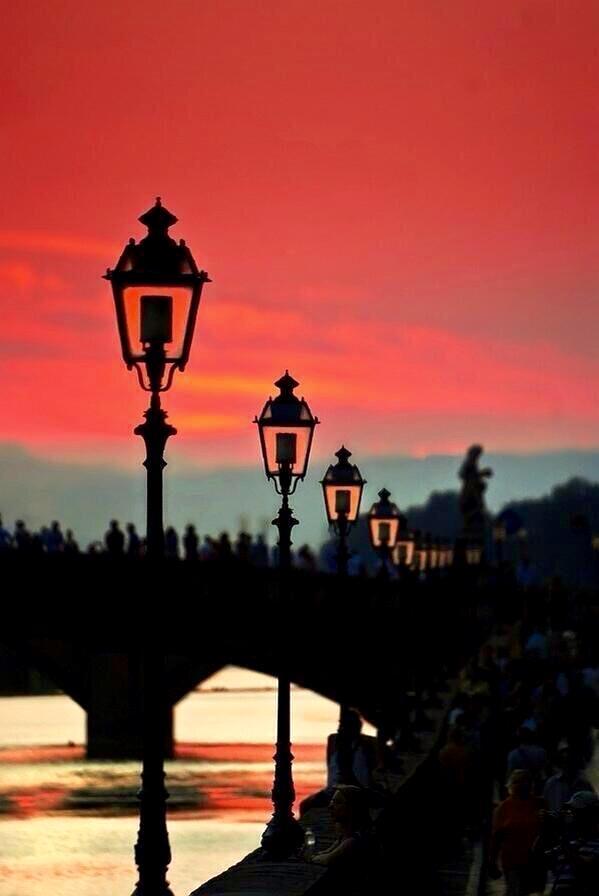 """""""@Saffron606: #Paris At #Sunset http://t.co/rSlUdVw9qh"""""""