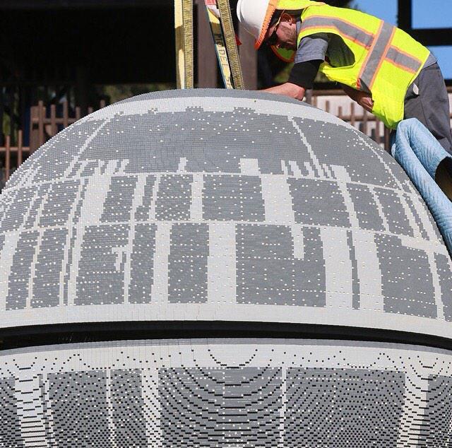 Sneak peek of LEGO Star Wars Miniland Death Star Model Display #BehindtheScenes #LEGOLANDCA http://t.co/Ed7zASibKC