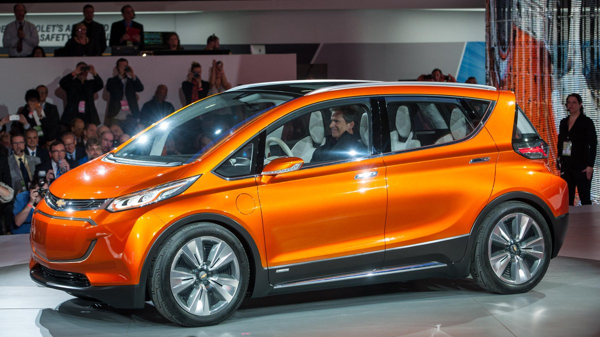 A concept car no longer. GM's electric 200-mile, $30K Bolt will be made. https://t.co/XpLECQk7JD http://t.co/Ip2CcKr7u9