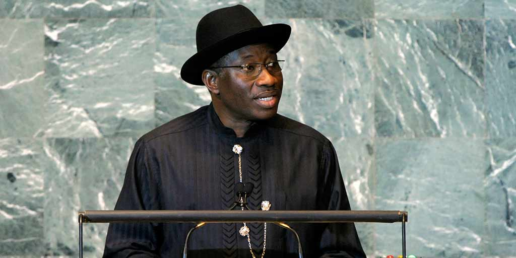 Goodluck Jonathan wins time to outflank oppstn with #Nigeria election delay, but perils loom http://t.co/yUbEN7htn6 http://t.co/DaRynWqWUK