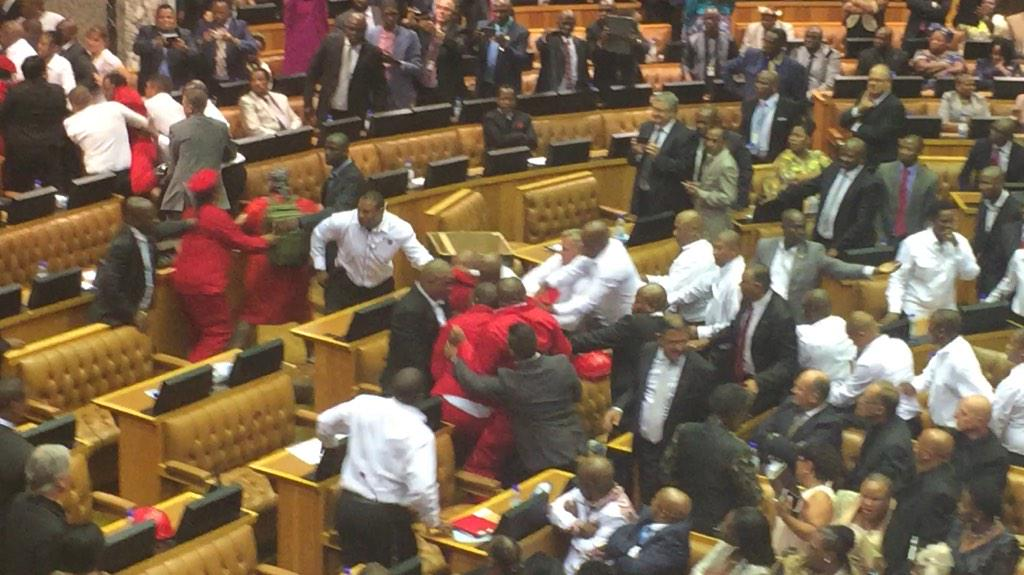 The scuffle you didn't see... #SONA2015 http://t.co/kHIREuYfhZ