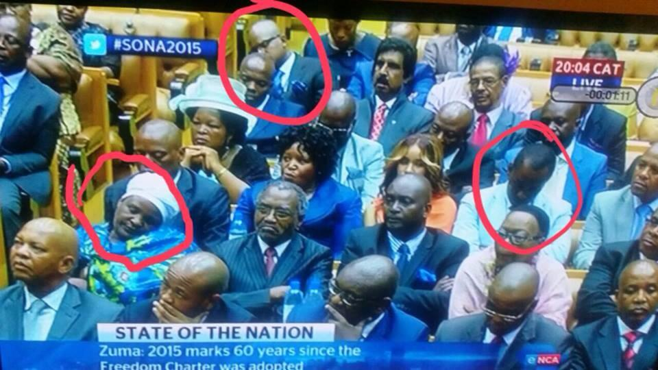 """@Julia_Maite: Guess am not the only one falling asleep right now #SONA2015 http://t.co/sl2dBKgocX"" captivated ""close the doors"""