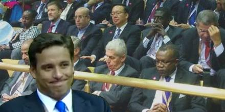 "Foreign diplomats respond to ""foreigners will not be allowed to own land in SA"" #AwkwardChad #Sona2015 @waldimar http://t.co/nwwUqRSPtg"