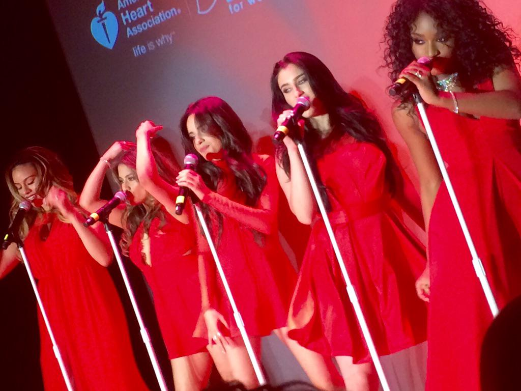 And we get a mini-performance by girl group @FifthHarmony at @GoRedForWomen ... #GoRed #NYFW http://t.co/rjv4bpbojJ