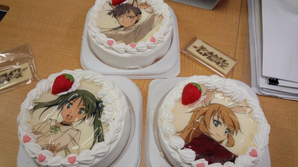 シャーリーの誕生日だから、ウィッチーズケーキでお祝い http://t.co/DIwN8AWbRX