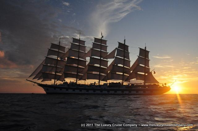 Check out these stunning photos of Royal Clipper from @StarClippers more at http://t.co/1jER6ekQiK #cruise #photo http://t.co/b5EtJxxTup