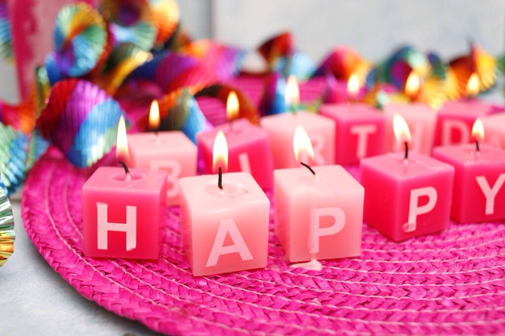 Gute Geburtstag meine Mutter💜 http://t.co/GUntmy57Bp
