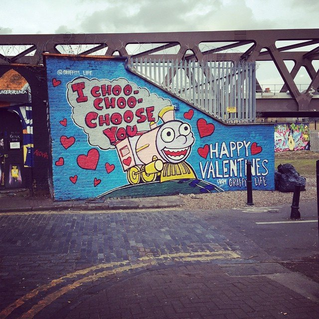Spotted in Shoreditch. Classic Simpsons. #ValentinesDay http://t.co/RTksjwixNY